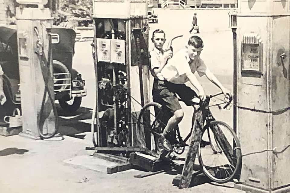 Old gas station picture